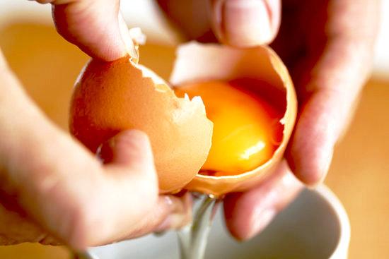 yumurtanın sarısını ayırmak