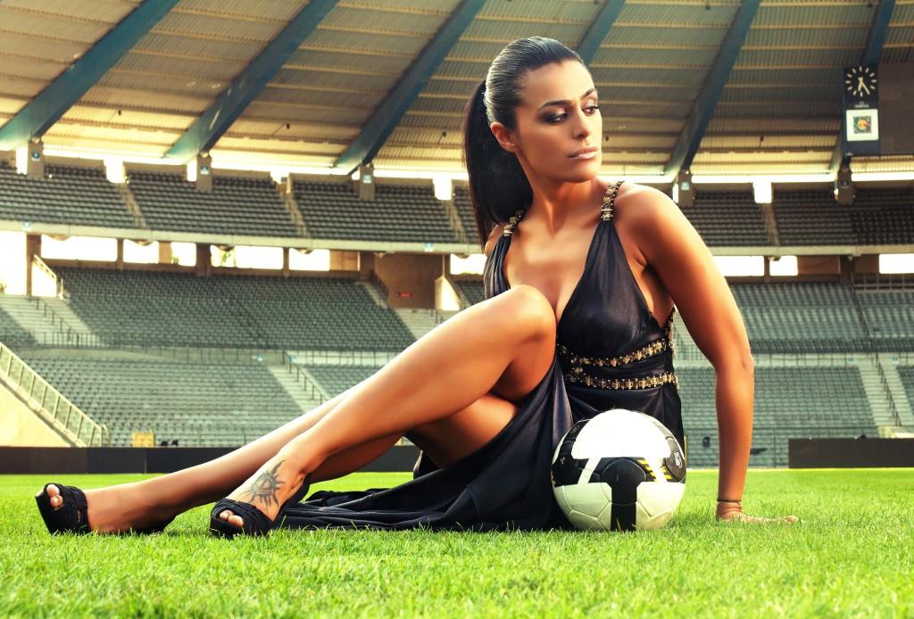 Bayanların Erkeklere Sordukları En İlginç Futbol Soruları